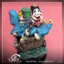 """""""THE MAGIC OF DISNEY"""" 3d sculpture freely inspired by the cartoon of 1951 """"Alice in Wonderland"""". Cold porcelain, acrylic paint and imagination! 4,7 inch, 6,3 inch , height 7 inch. September 2016 Scultura 3d liberamente ispirata dal cartone animato del 1951 """"Alice nel paese delle meraviglie"""". Porcellana fredda, colori acrilici e fantasia! 12 x 16 cm, altezza 18 cm. Settembre 2016"""