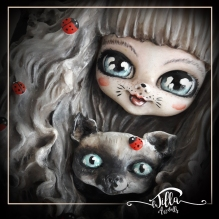 """""""MIS DOS GATITOS"""" Wooden frame, cold porcelain and acrylic colors, 8.7 """"6.7"""" x 3.3 """"depth approx"""